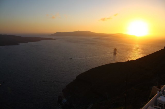 Fira sunset (C) Matt Wilson